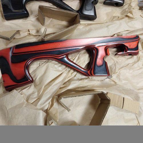 Osada EDgun Leyla – laminat czerwony